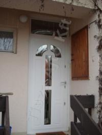 38-as ajtó fehér színben, üveggel