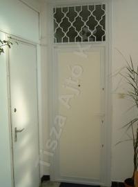 75-ös ajtó festett fehér felület