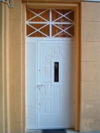 81-es ajtó fehér mdf lappal