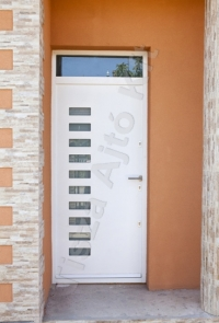 97-es ajtó festett fehér
